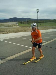 Descubriendo Ardoy con los rollerskis.