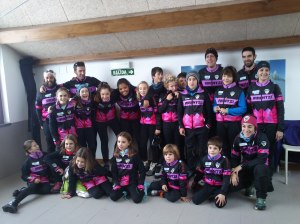 Primera foto de grupo de la temporada. Foto: Arantxa Pérez.Irrintzi Ski