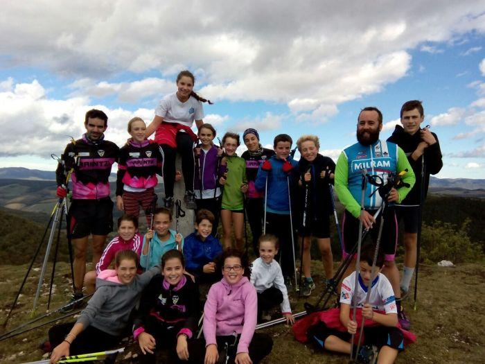 Foto de equipo y escuela en Artzelaieta